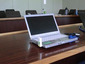 ノートPCに装着したUSBタイプWiMAX端末とGPS無線機